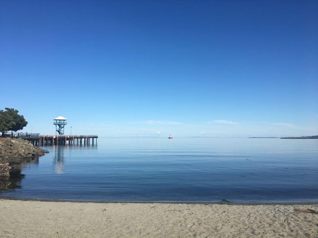 Curtindo Port Angeles, enquanto aguardávamos o horário do nosso ferry